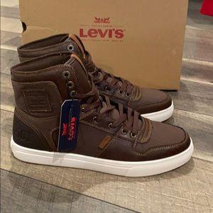 New Levi's signature Hi Top sneakers 9.5 display